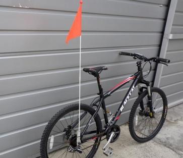 BicycleHero Flag and Pole